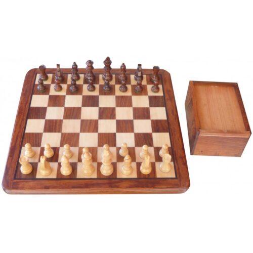 Conjunto tablero mazizo 46x46 cm + Piezas de madera Staunton 4